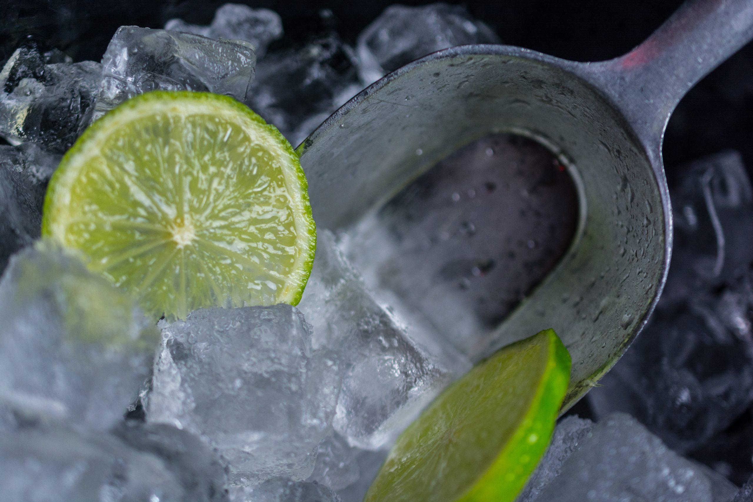 Eis für die iCocktail7 Cocktailmaschine